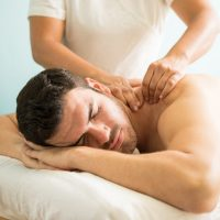 Man-Deep-Tissue-Massage